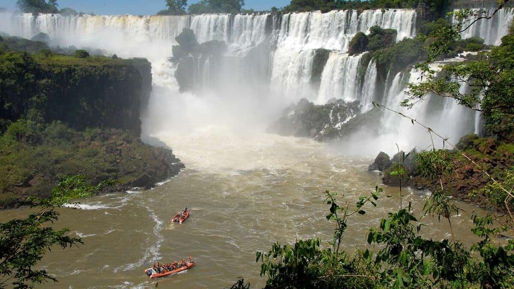 Iguazu: Båttur under vattenfallet