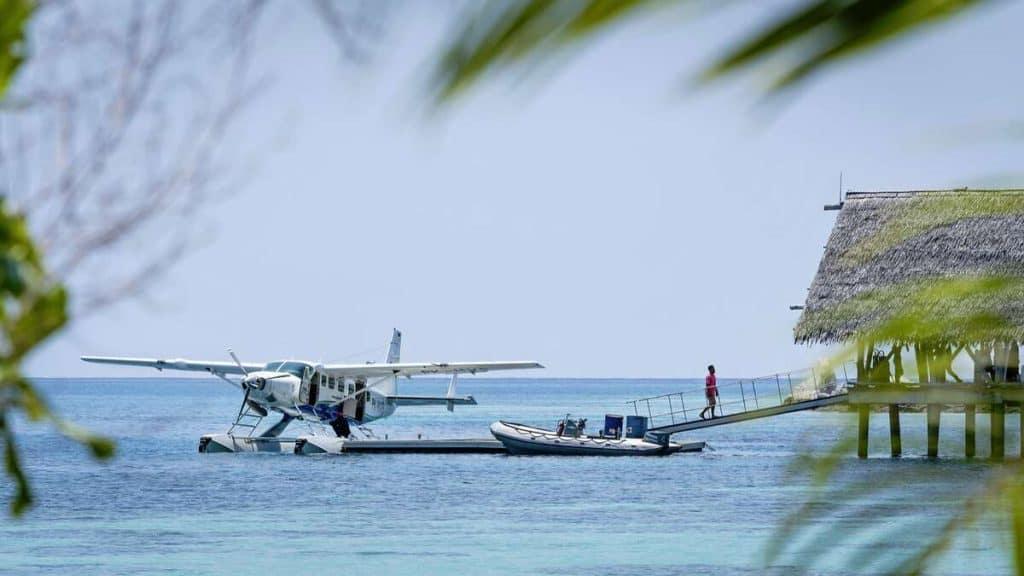 Sjöflygplanet som tar gästerna till Bawah Reserve.