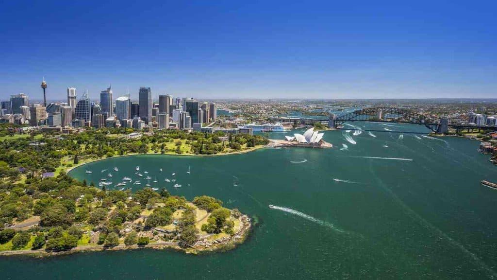 Översiktsbild av Sydney och hamnområdet.