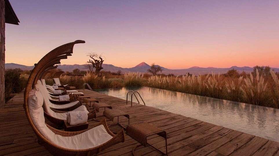 Vid poolen på Tierra Atacama i Chile.
